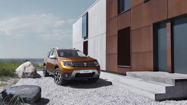 Dacia binek otomobillerde Bankacılara 2.000 TL indirim!